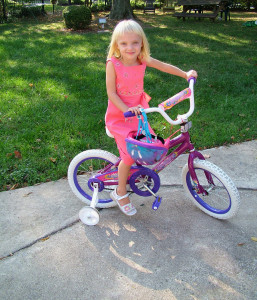 Girl bike training wheels